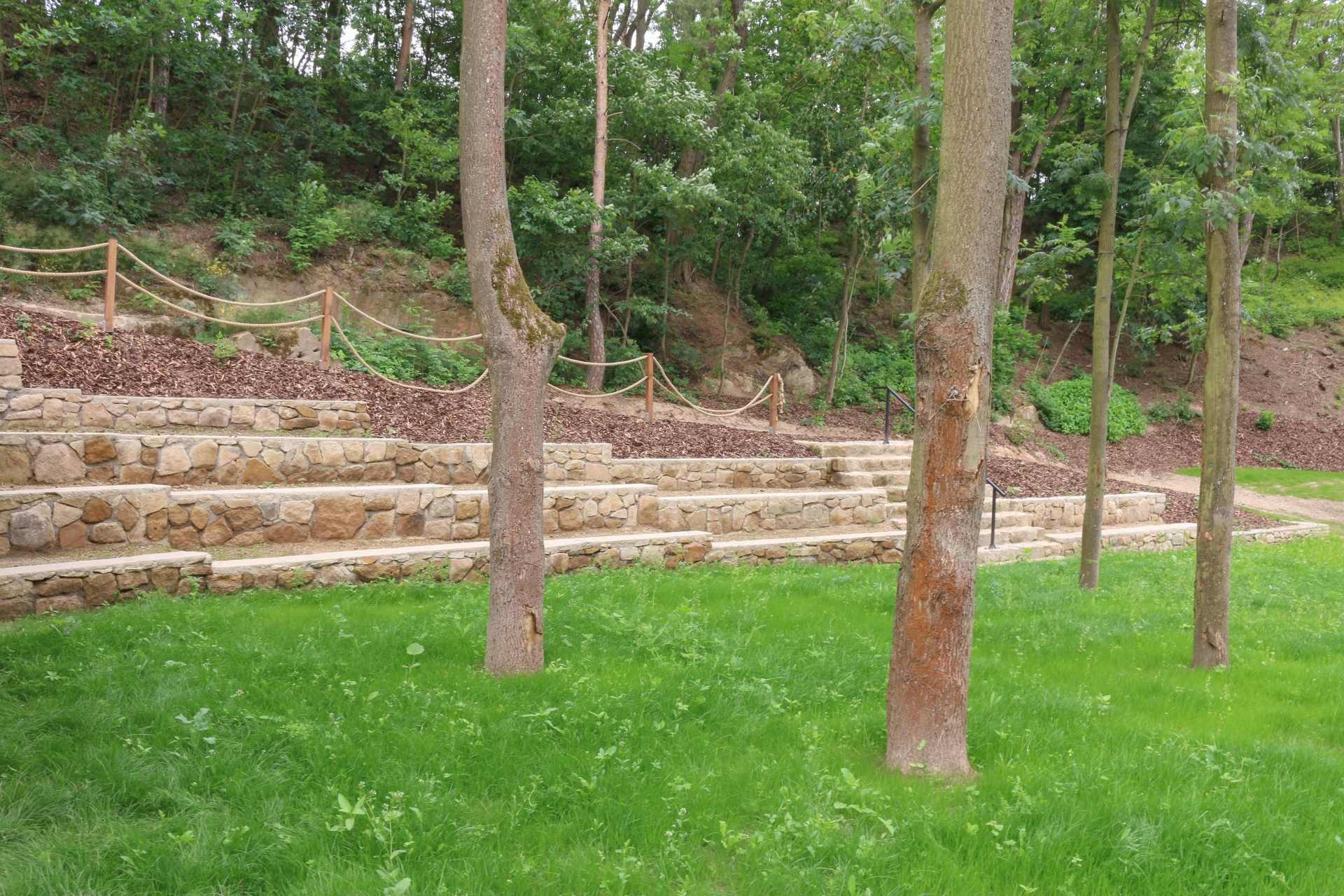 lesni divadlo doksy 19