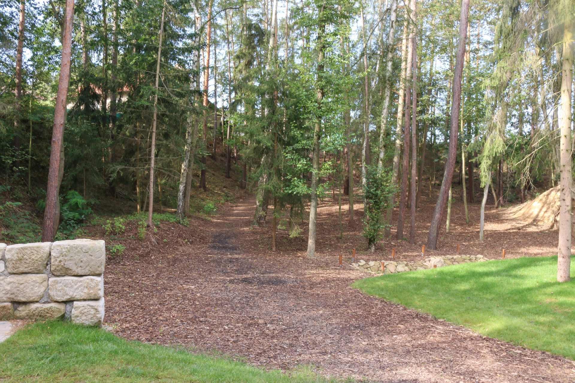 lesni divadlo doksy 24